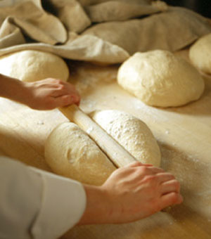 LgBasic-Steps-of-Baking-Bre